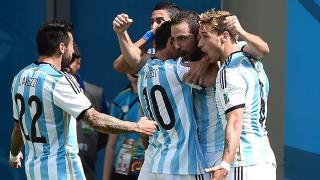 Сборная Аргентины по пенальти выиграла полуфинальный матч у Голландии